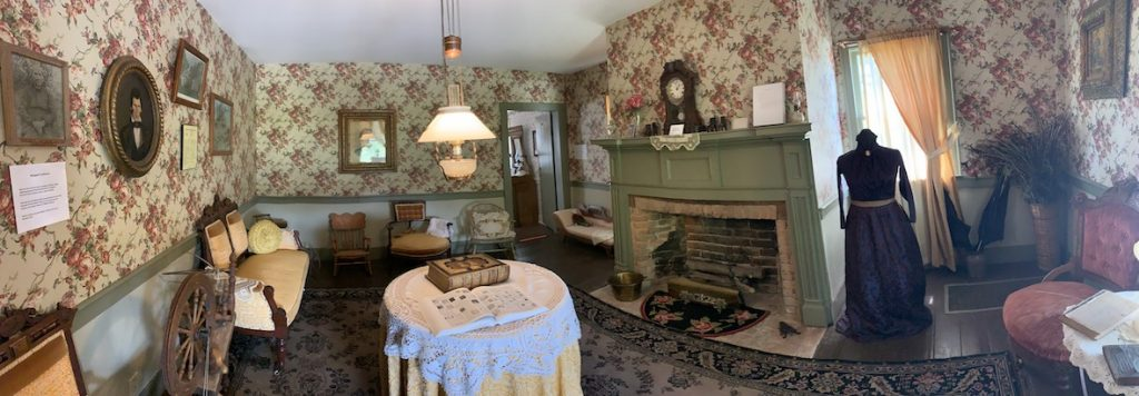 Ladies Parlor at the Overland Inn